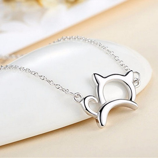 Cartoon kitty pendant necklace