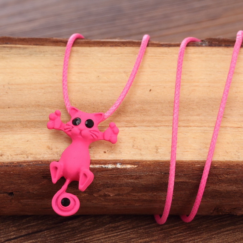 Kitty pendant necklace - pink