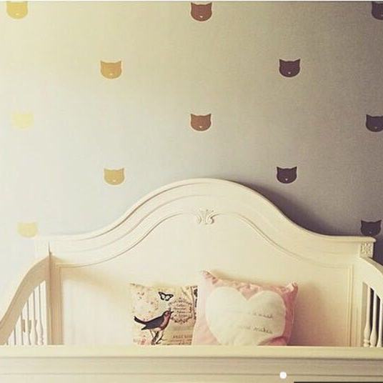 Cat face wall stickers, gold, pack of 60